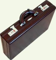 кейс из натуральной кожи Pierre Cardin PC0015, вид под углом