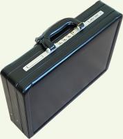 Кейс из натуральной кожи Pierre Cardin черный PC0017, вид под углом
