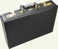 Кейс из натуральной кожи Pierre Cardin PC0132C, цвет - черный
