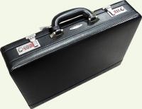 Кейс из натуральной кожи Pierre Cardin PC85014 черный, вид под углом
